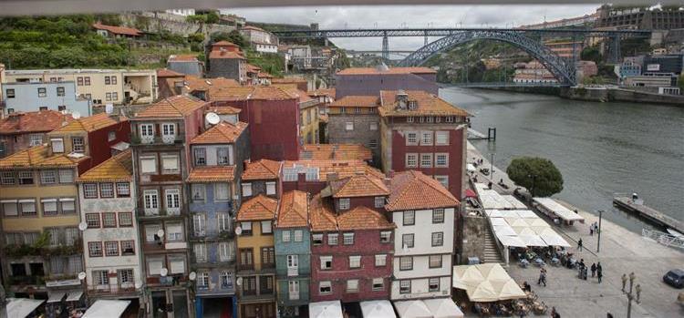 Estudantes da Espe premiadas pela criação de roteiro turístico do Porto para invisuais